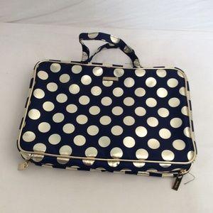 Handbags - NEW Travel Bag